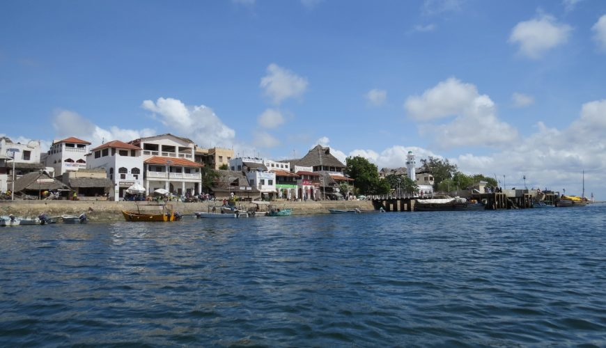 Approaching Lamu Stone Town on Lamu island Photo: Maya Mangat