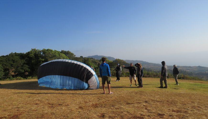Paragliders on Elgeyo Marakwet escarpment getting ready to take off. Copyright Rupi Mangat