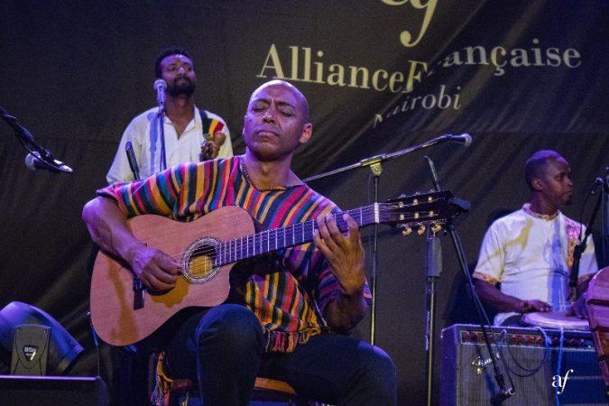 Girum Mezmur, the Ethiopian jazz guitarist - courtesy Alliance Française (800x533)