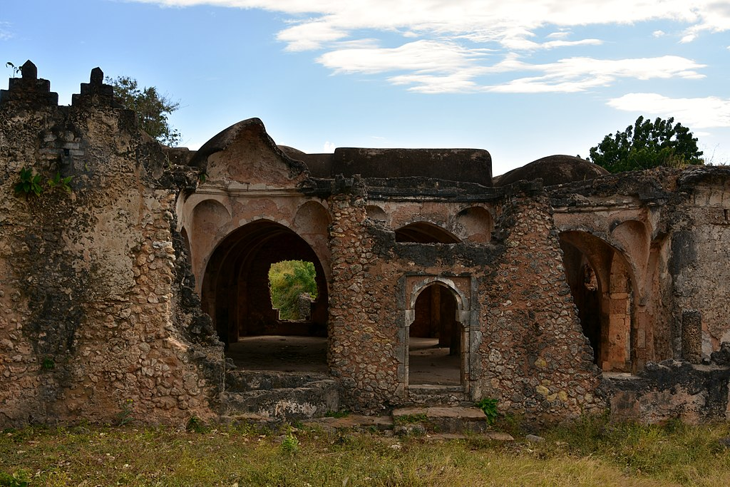 Great Mosque of Kilwa Kisiwani 11th to18th century Credit: Richard Mortel