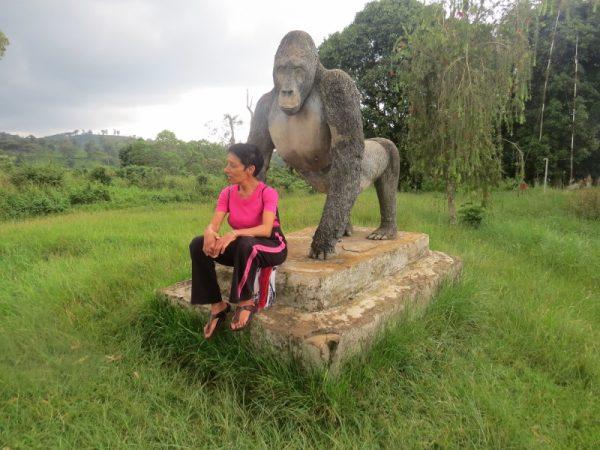 Rupi with life-size statue of Grauer's gorilla at Kahuzi-Biega National Park, DRC. Copyright Rupi Mangat (800x600)