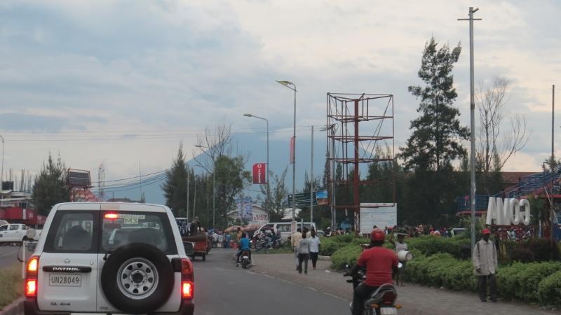 Volcanic Mt Nyiragongo towering over Goma.. Copyright Rupi Mangat (800x450)