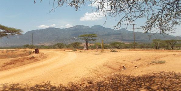The stretch of Mathews range. Copyright Rupi Mangat