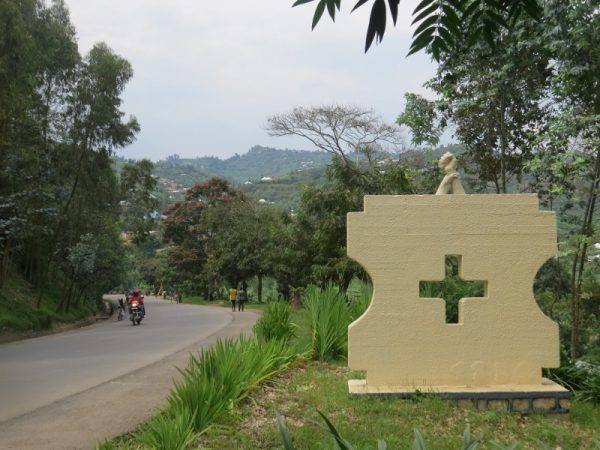 By the road near Gisenyi. the monument dedicated to the 180 people killed in a bus 2 p.m. in 1997 Copyrght Rupi Mangat (800x600)