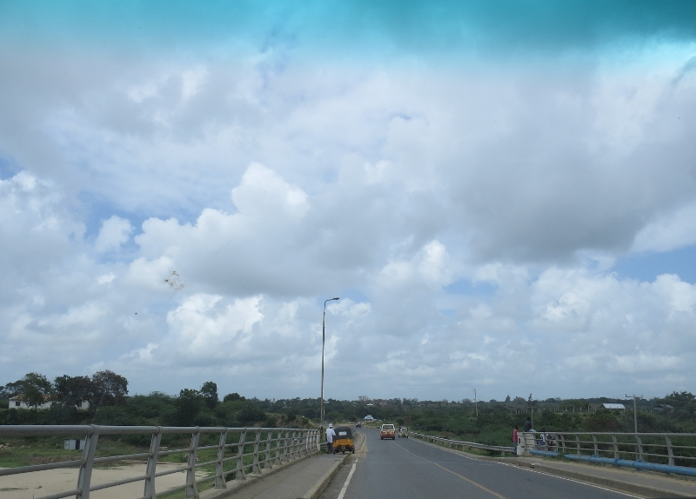 sabaki-bridge-over-the-eestuary.-copyright-rupi-mangat-800x800.jpg