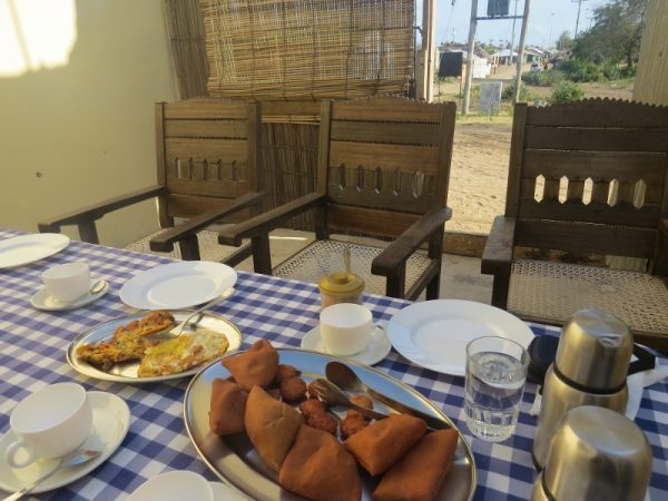 Swahili breakfast at Mama Lucy's at Kipini on tip of tana delta - rupi mangat - 26 Oct 2019 one time use only (800x600)