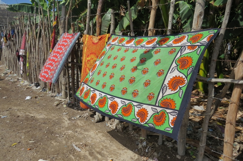 Pure cotton kangas that are now collectors item drying on Pate island Lamu - copyright Rupi Mangat (800x533)
