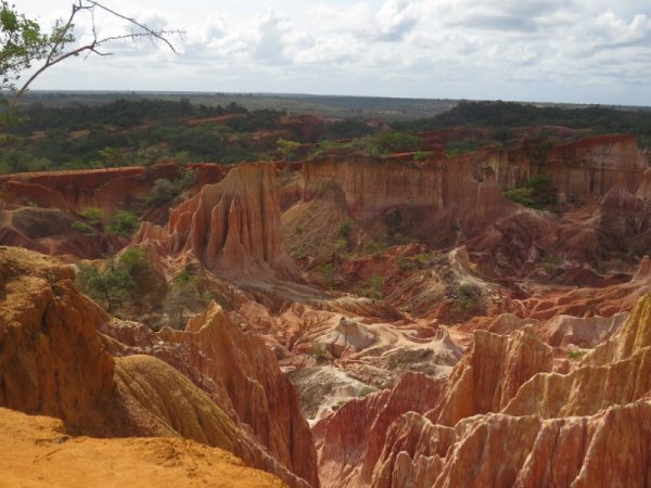 Hell's Kitchen, a natural soil erosion in Dakatcha wodland near Malindii Copyright Rupi Mangat (800x600)