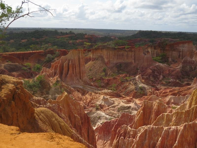 Hell's Kitchen, a natural soil erosion in Dakatcha wodland near Malindii Copyright Rupi Mangat (800x600)