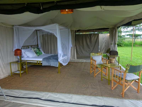 Tented abode Nje ya Selous Tanzania. Copyright Leina Lemomo (800x600)