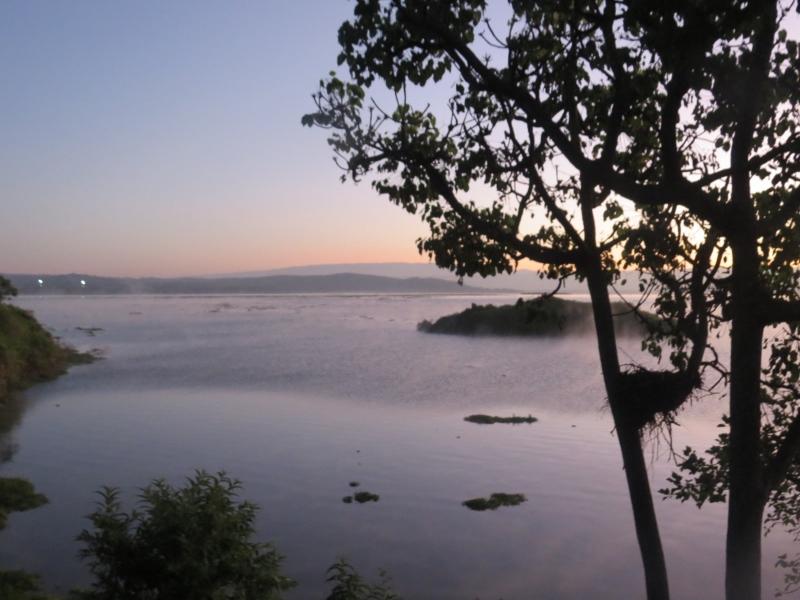 Morning mist over Lake Naivasha from Ziwani House Copyright Rupi Mangat (800x600)