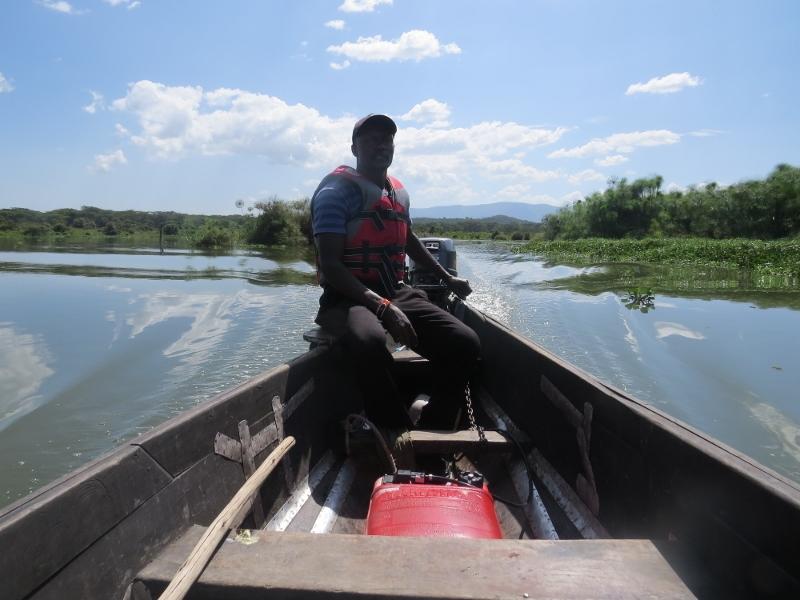 Sailing to Ziwani Island House on Lake Naivasha. copyright Rupi Mangat (800x600)