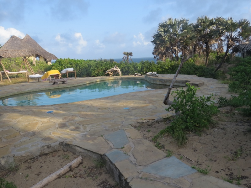 The pool at Delta Dunes. Copright Rupi Mangat. One time use only (800x600)